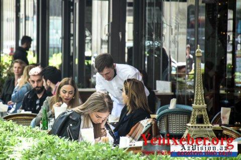 Kafe və restoranların daxilində xidmət göstərilməsinə icazə verildi-