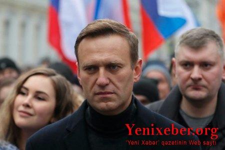 Aleksey Navalnı Rusiyaya qayıdır
