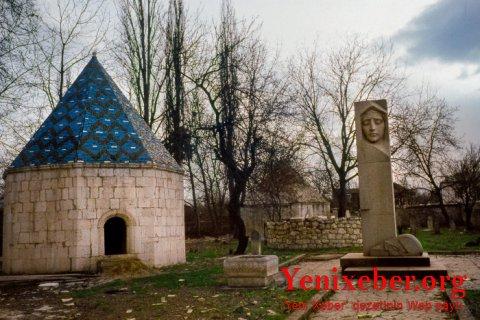 Ermənilər Natəvanın məzarını dağıdıb, sümüklərini aparıblar