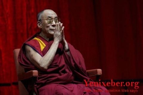 Dalay Lama da koronavirusa qarşı peyvənd olunub