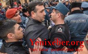 Ermənistanın Baş Prokurorluğu qarşısında toqquşmalar -