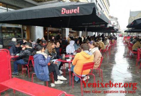 Bu ölkədə kafe və restoranlar açılıb, komendant saatı ləğv edilib