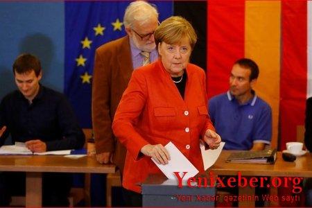 """Almaniyada """"exit-poll""""un ilkin nəticələri açıqlanıb..."""